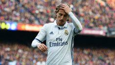 Luka Modric se lamenta en el partido del Camp Nou. (Getty)