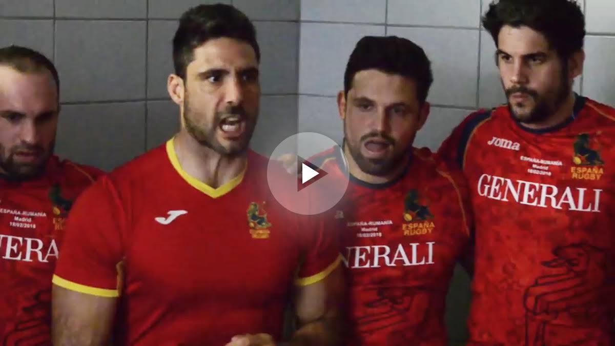 El capitán de la selección española dando la charla previa al partido de Rumanía.