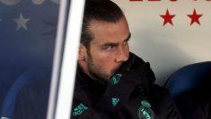 Bale en el banquillo de Butarque. (EFE)