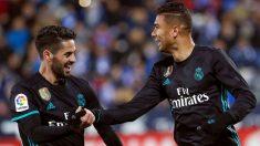 Casemiro e Isco celebran el 1-2 del Real Madrid. (EFE)