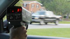 Una serie de rocambolescas coincidencias han logrado que un conductor se vaya de rositas tras haber sido cazado por un radar de velocidad a 228 km/h.