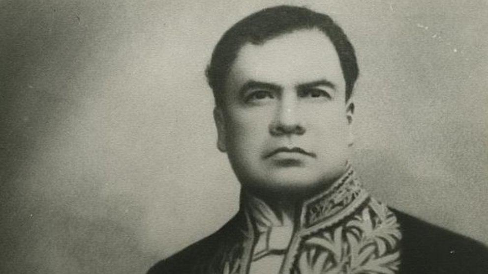 rEl poeta nicaragüense Rubén Darío es  uno de los literatos más destacados.