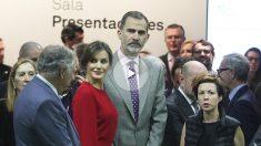 Los Reyes de España inauguran Arco 2018. (Foto: Alberto Simón)