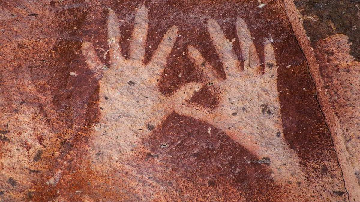 Imagen de archivo de una pintura rupestre