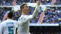 Cristiano Ronaldo celebra su gol al Alavés. (AFP)