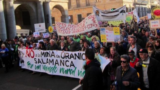 Manifestación contra la mina de Berkeley