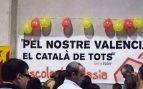 Acto de Escola Valenciana y sus campañas para el uso del catalán