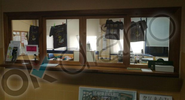 Camisetas de la pancatalanista Escola Valenciana a la venta e colegios públicos
