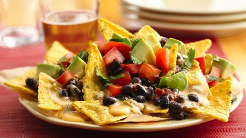 Muchos de los ingredientes que dan sabor a la receta son de lo más saludables.