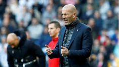 Zidane durante un partido en el Bernabéu. (EFE)