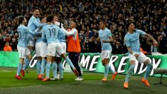 Los jugadores del City celebran uno de los goles. (Getty)
