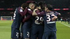 Los jugadores del PSG celebran un gol contra el Marsella. (AFP)