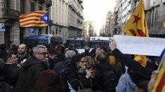 Protestas ante la presencia del Rey en Barcelona.
