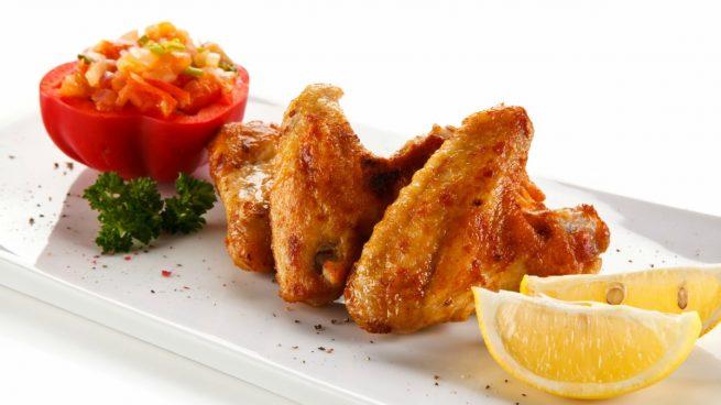 Recetas de alitas de pollo al horno crujientes y fáciles de preparar