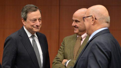 Mario Draghi y Luis de Guindos (Foto: GETTY).