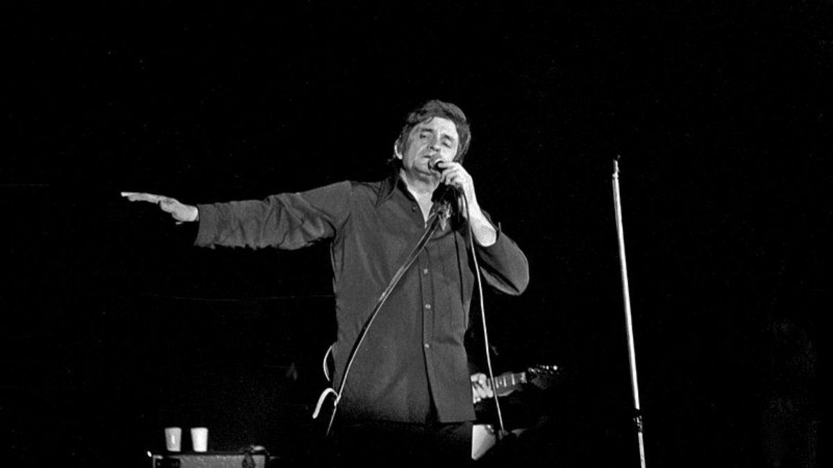 Johnny Cash en 1972 durante una actuación en Bremen