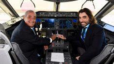 J.J Hidalgo, presidente de Air Europa, con Javier Hidalgo, CEO de la aerolínea.