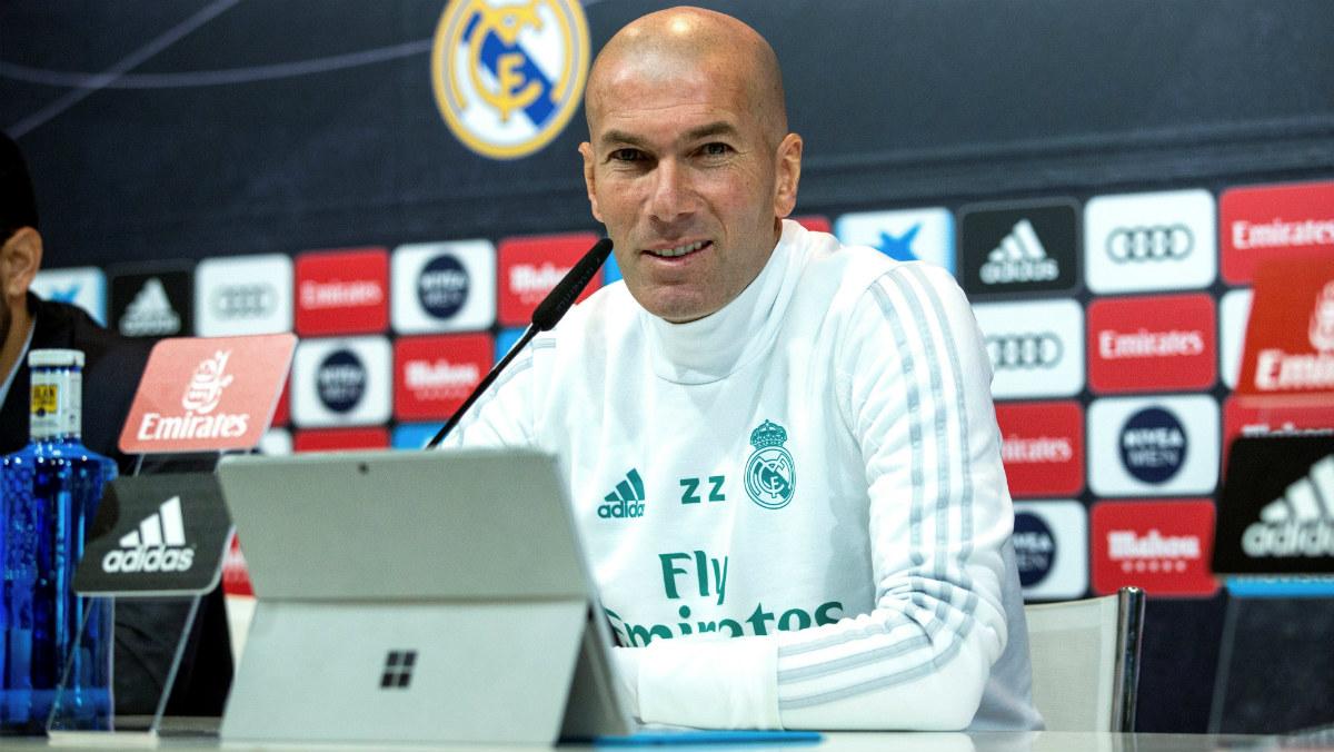 Zidane durante una rueda de prensa   Barcelona – Real Madrid