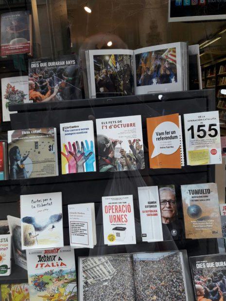 Escaparate librería Claret de Barcelona