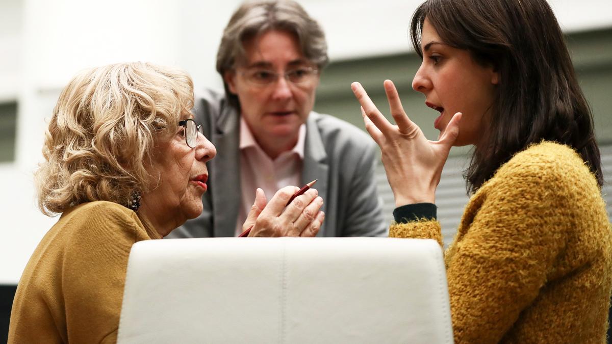 Manuela Carmena, Rita Maestre y Marta Higueras. (Foto: EFE)