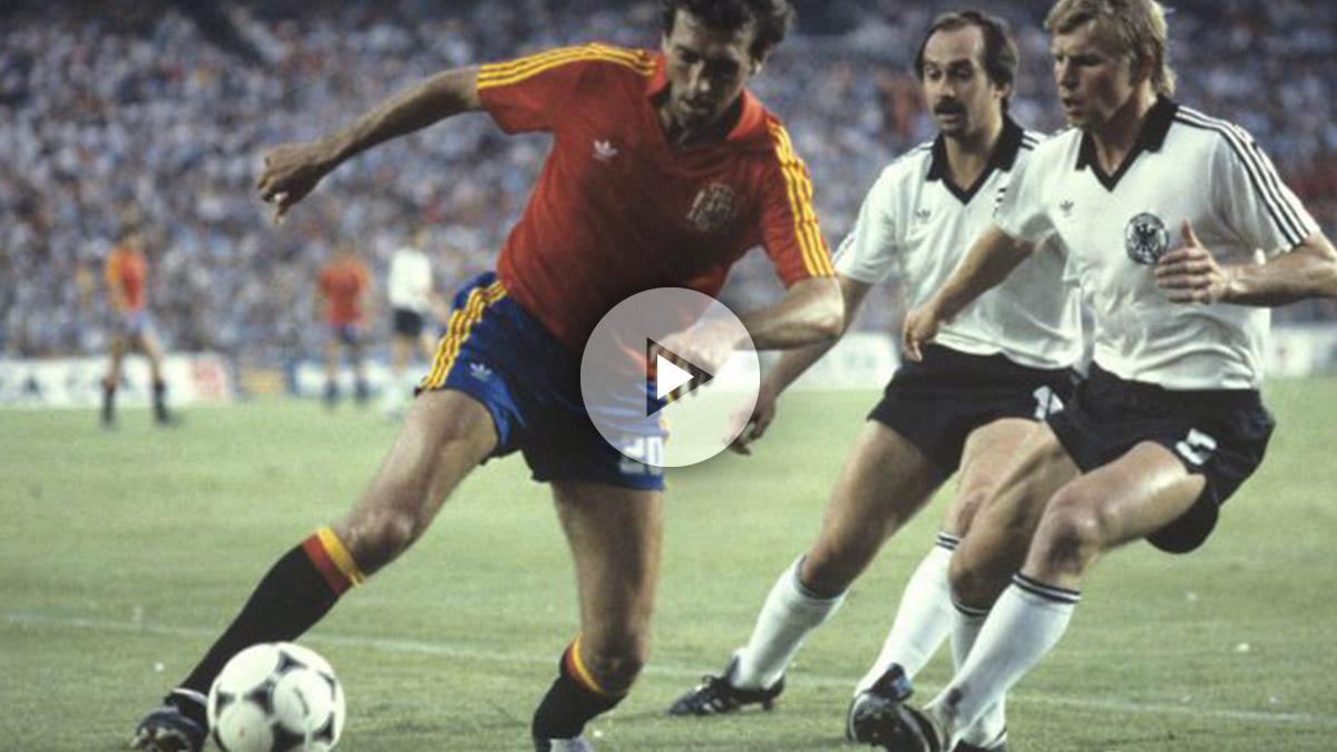 Quini, en un partido con la selección española. (EFE)