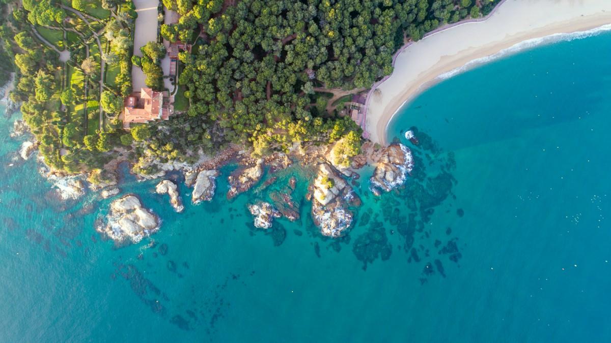 Consulta aquí lugares, rutas, planes y dónde comer en Lloret del Mar.