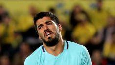 Luis Suárez lamenta una acción en un partido del Barcelona de la pasada temporada. (EFE)