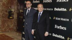 Andrés Rodríguez, director de Forbes en España, junto a Florentino Pérez (Foto: Paco Toledo)