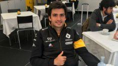 Carlos Sainz atendió a OKDIARIO en el hospitality de Renault (OKDIARIO)