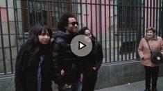 Marcelo posa con los seguidores que le vieron por las calles de Madrid.