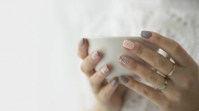 c mo pintarse las u as en casa la manicura perfecta y On como pintarse las unas en casa