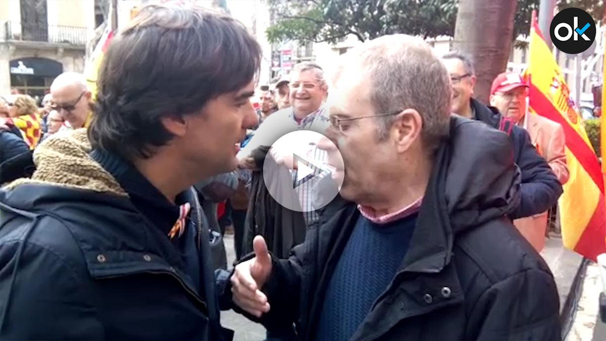 Jaume Vives, el dueño de la terraza donde todo empezó, y Tomás Guash, ministro de Deportes de Tabarnia.