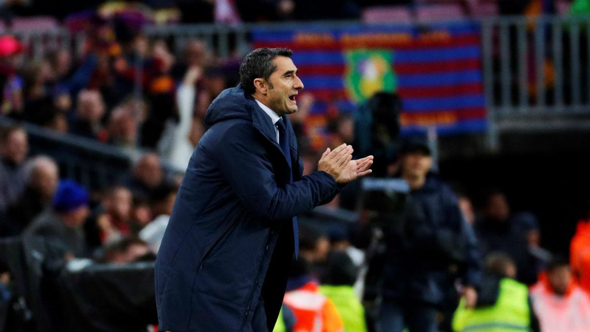 Valverde da órdenes durante el partido. (EFE)