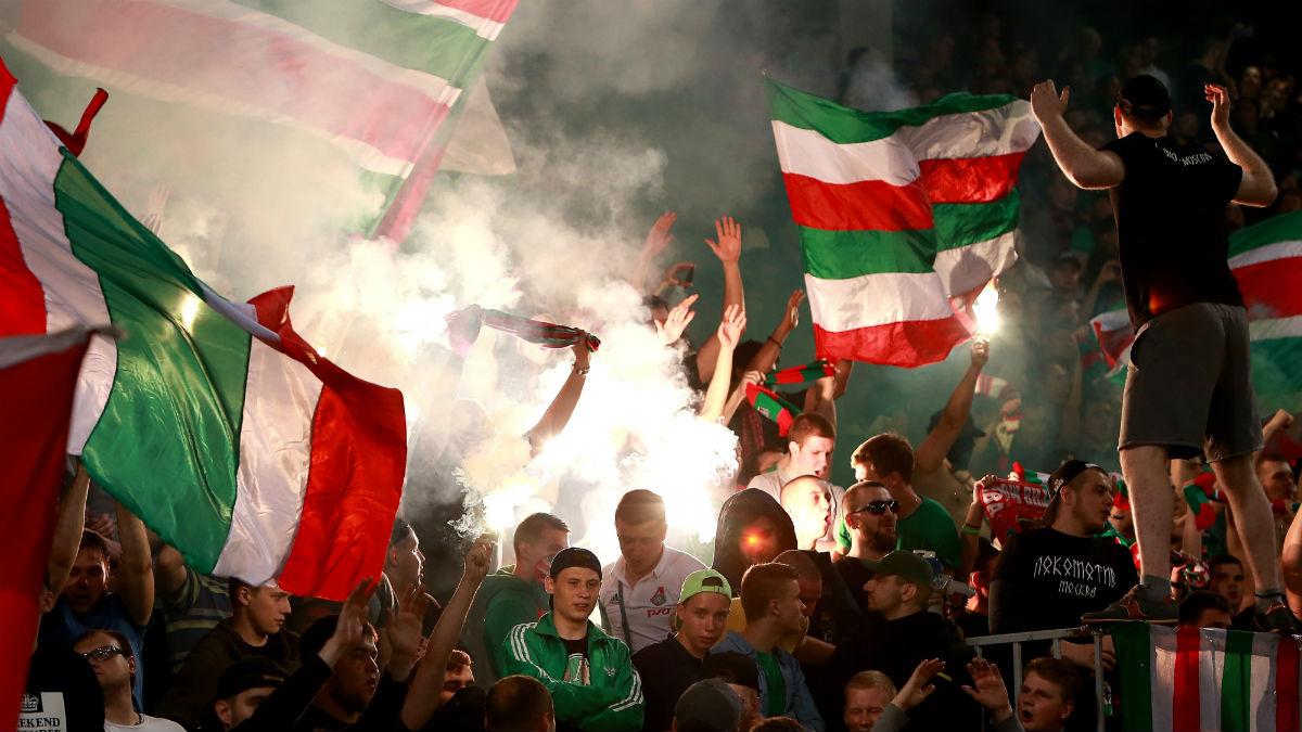 Aficionadoos del Lokomotiv en un partido. (Getty)