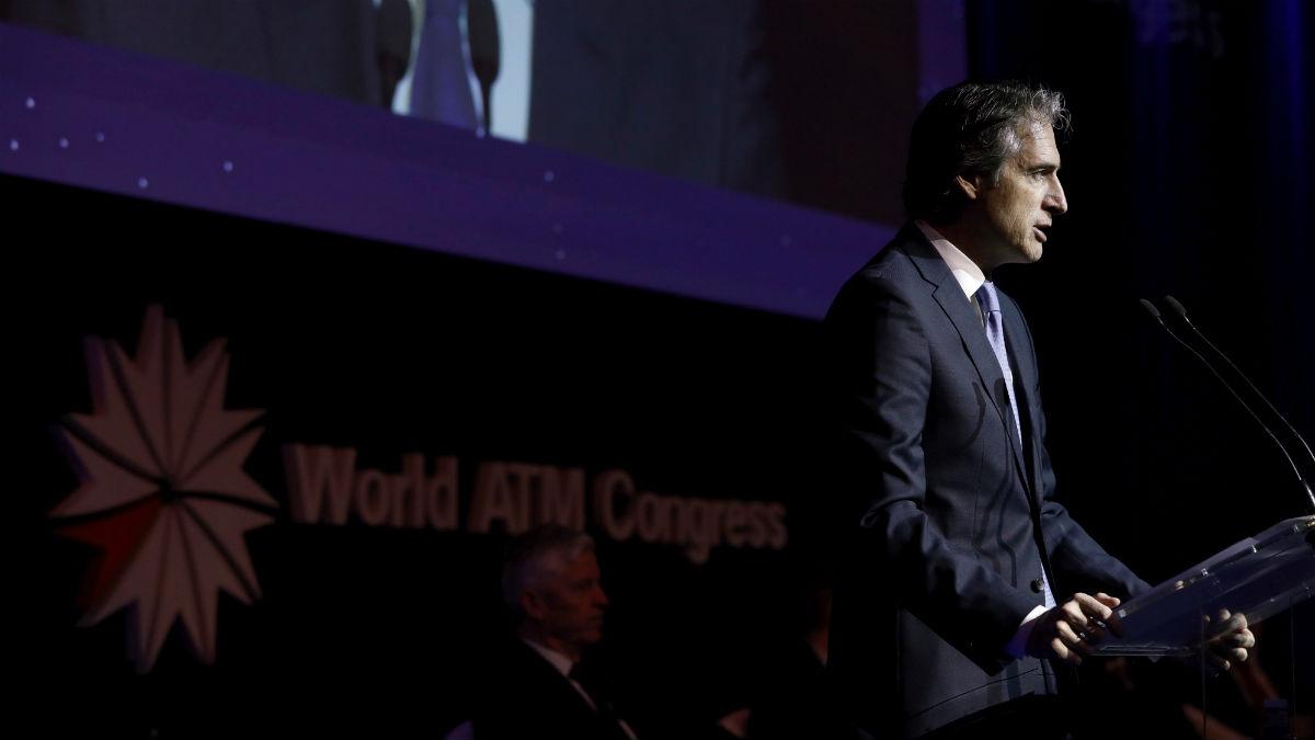 ministro de Fomento, Íñigo de la Serna, durante su intervención en la inauguración del Congreso Mundial de Gestión del Tráfico Aéreo (World ATM Congress) que se celebra en IFEMA. (Foto: EFE/Emilio Naranjo)