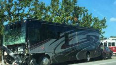 Aspecto del autobús implicado en el accidente en Miami en le que han muerto cuatro mujeres mallorquinas. (TW)