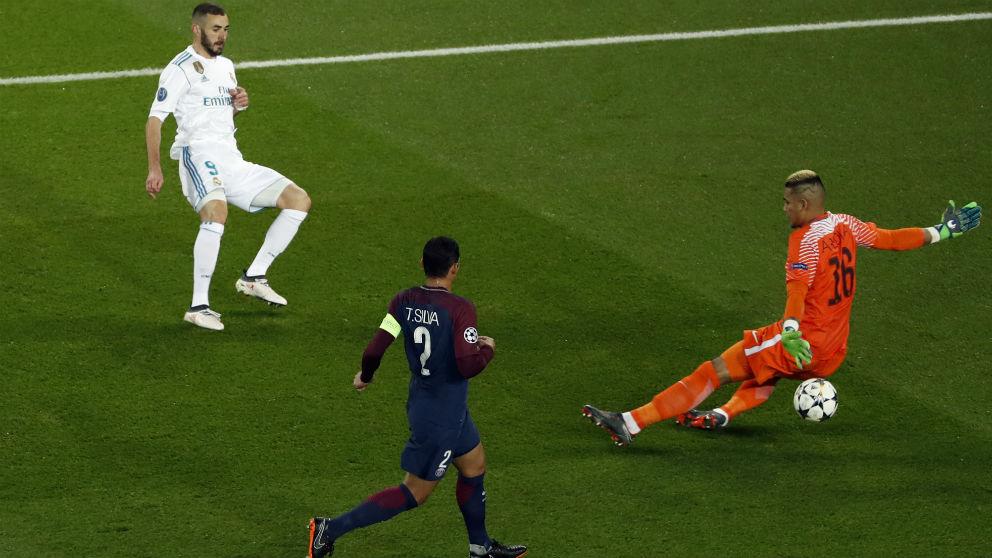 Benzema no acertó a la hora de definir contra Areola. (AFP)