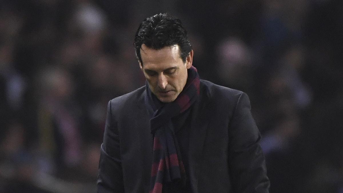 Unai Emery, cabizbajo durante el PSG-Real Madrid.