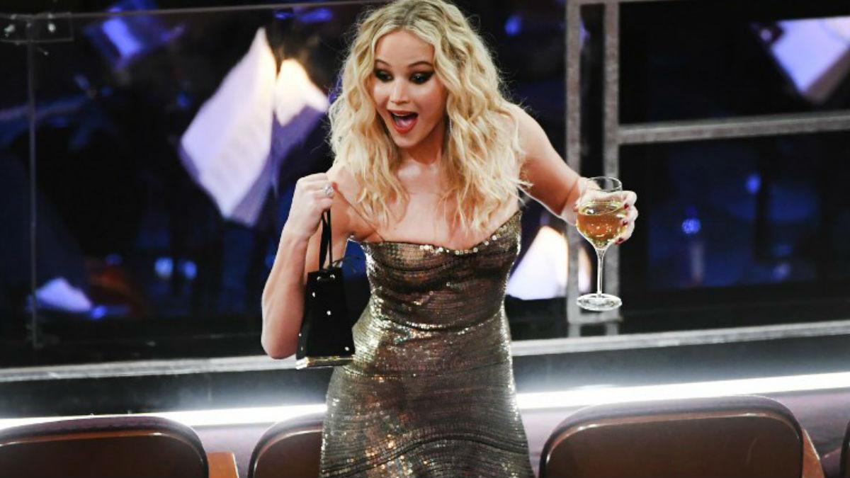 La oscarizada actriz Jennifer Lawrence fue el alma de la fiesta en la 90 edición de los premios Oscar de la Academia de Hollywood. Foto: AFP