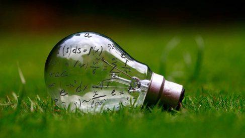 Ahorro en la factura de la luz y el gas (Foto. Istock)