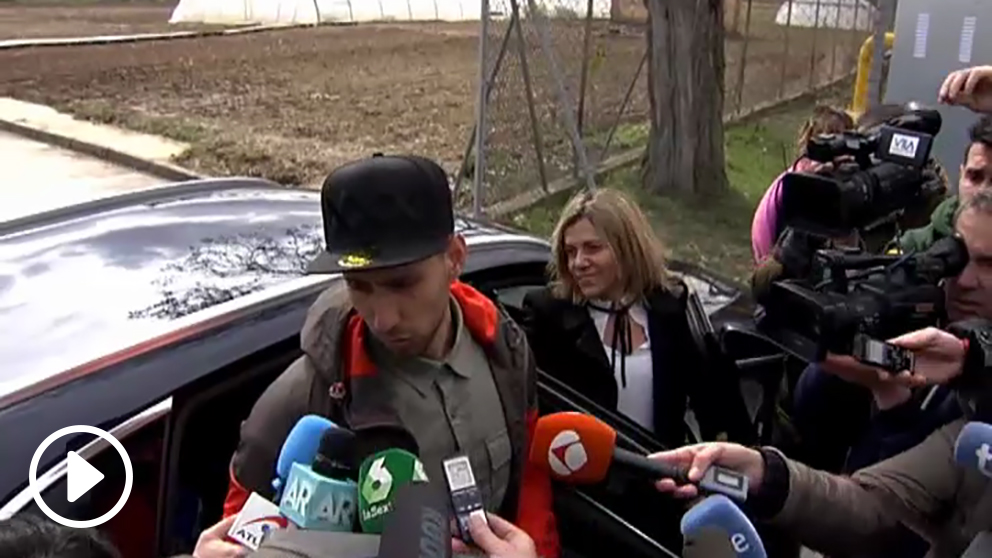 Viti, ex jugador de la Arandina, a su salida de la cárcel. (vídeo: OKDIARIO)