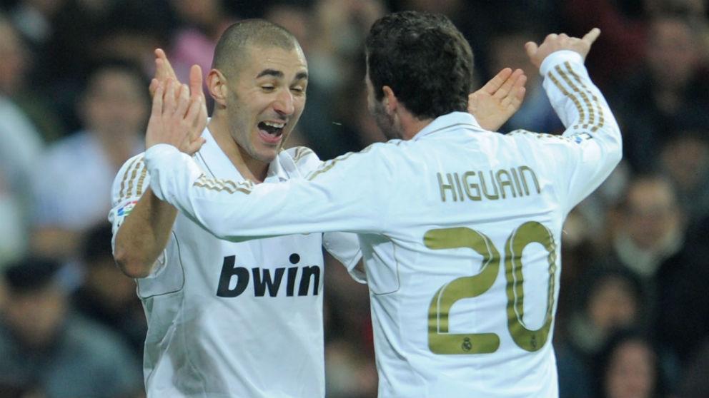 Benzema e Higuaín, en un partido con el Real Madrid. (Getty)