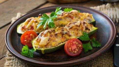 Receta de Calabacines rellenos de verduras sana y fácil de preparar