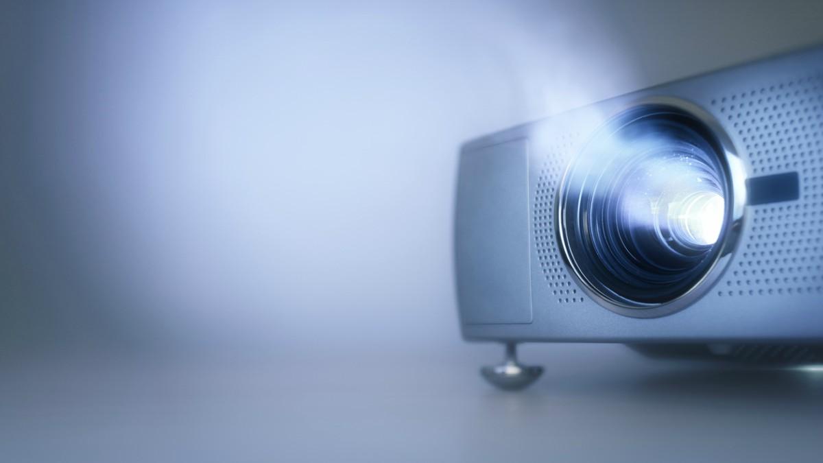 Consulta aquí los consejos para comprar un proyector