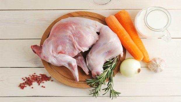 Receta de conejo en salsa f cil de preparar for Cocinar un conejo