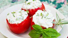 Receta de Tomates rellenos de queso Philadelphia ricos y sanos