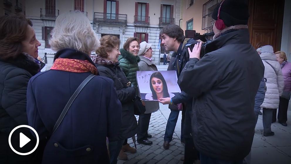 Varias mujeres responden a Cake Minuesa sobre la huelga feminista del 8M.