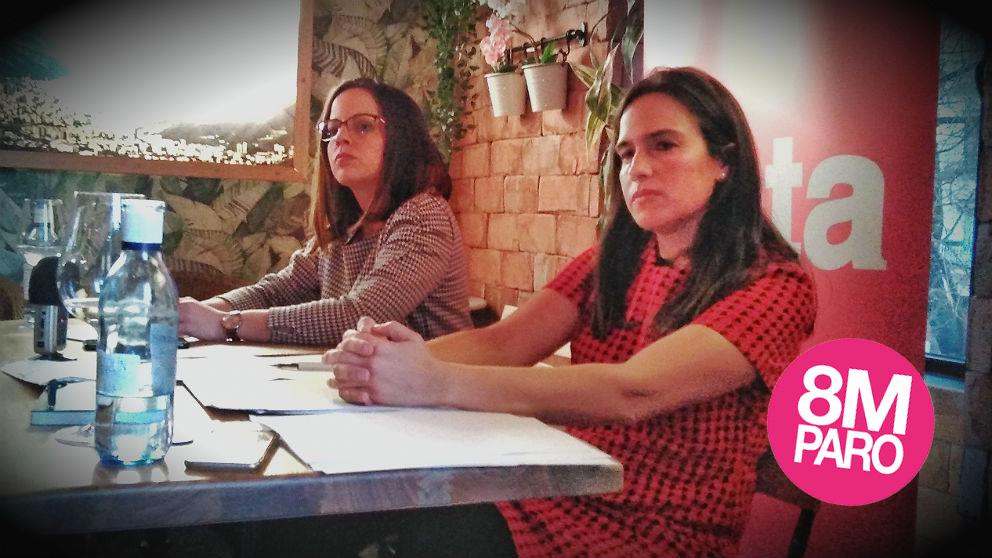 Lorena Arraiz, de la revista Zeta, y Belén Hoyo, diputada del PP. (Foto: ADP)