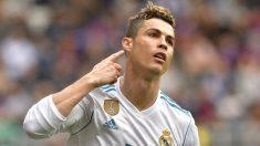 Cristiano Ronaldo celebra su primer gol al Eibar. (AFP)