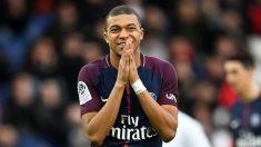 Kilyan Mbappé se lamenta tras fallar una ocasión (AFP).
